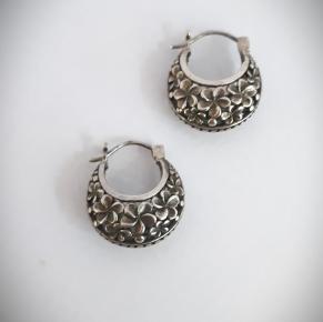 Дамски сребърни обеци-81
