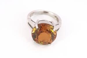 Дамски сребърен пръстен със Султанит